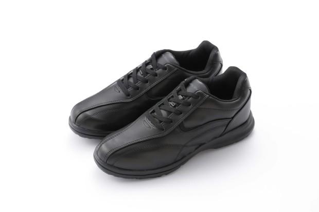 もちろんこれは近年のスニーカーブームで履かれているようなお洒落なものではなく、靴の量販店で買った安いスニーカーのことを指しています。